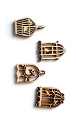 Cztery klatki z ptaszkami drewniane 4 szt.
