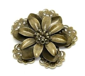 Kwiatek metalowy 3D (1) - 53x51mm